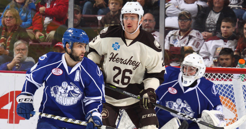 Big Third Period Gives Hershey 4-2 Win Over Crunch