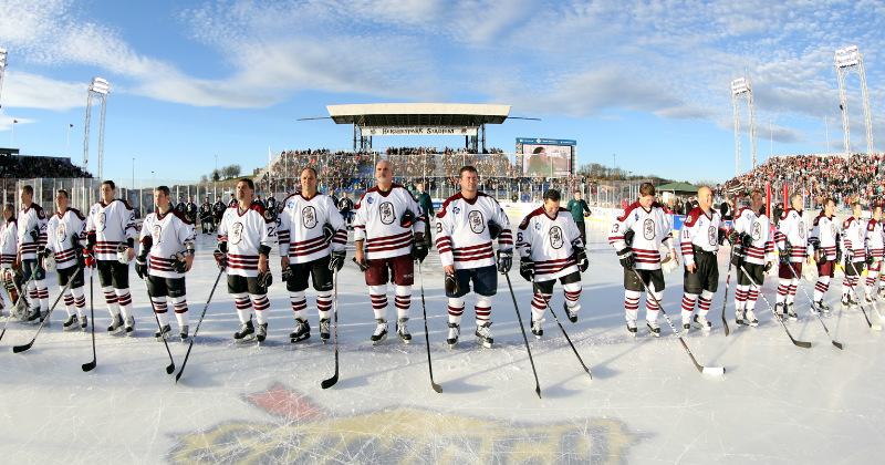 Outdoor Classic Starts with Bears/Flyers Alumni Game