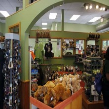 <em>ZooAmerica</em> Gift Shop