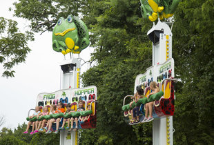 The Frog Hopper in action at Hersheypark