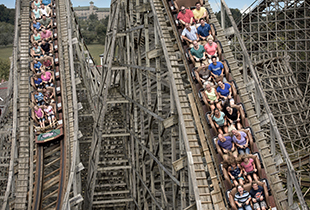 The Lightning Racer� in action at Hersheypark