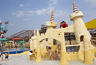 The Sandcastle Cove  in action at Hersheypark