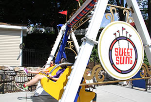 The Sweet Swing in action at Hersheypark