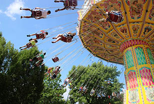 Wave Swinger Ride at Hersheypark