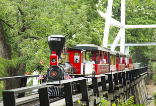 The Dry Gulch Railroad  in action at Hersheypark
