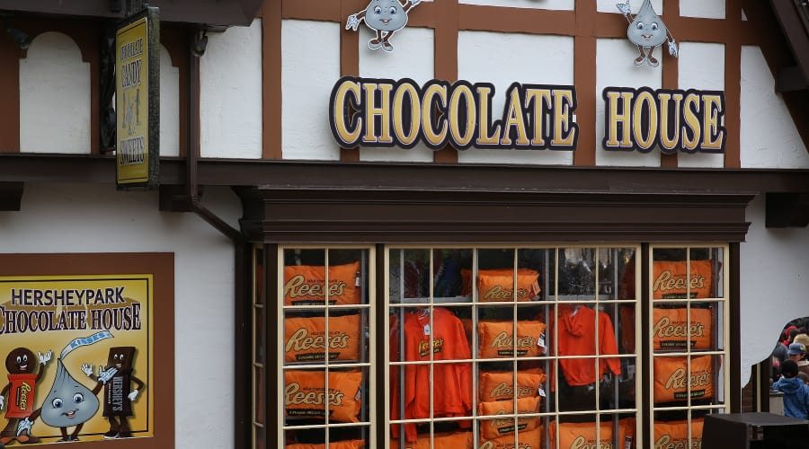 Chocolate House retail shop for Hershey chocolate apparel and gifts